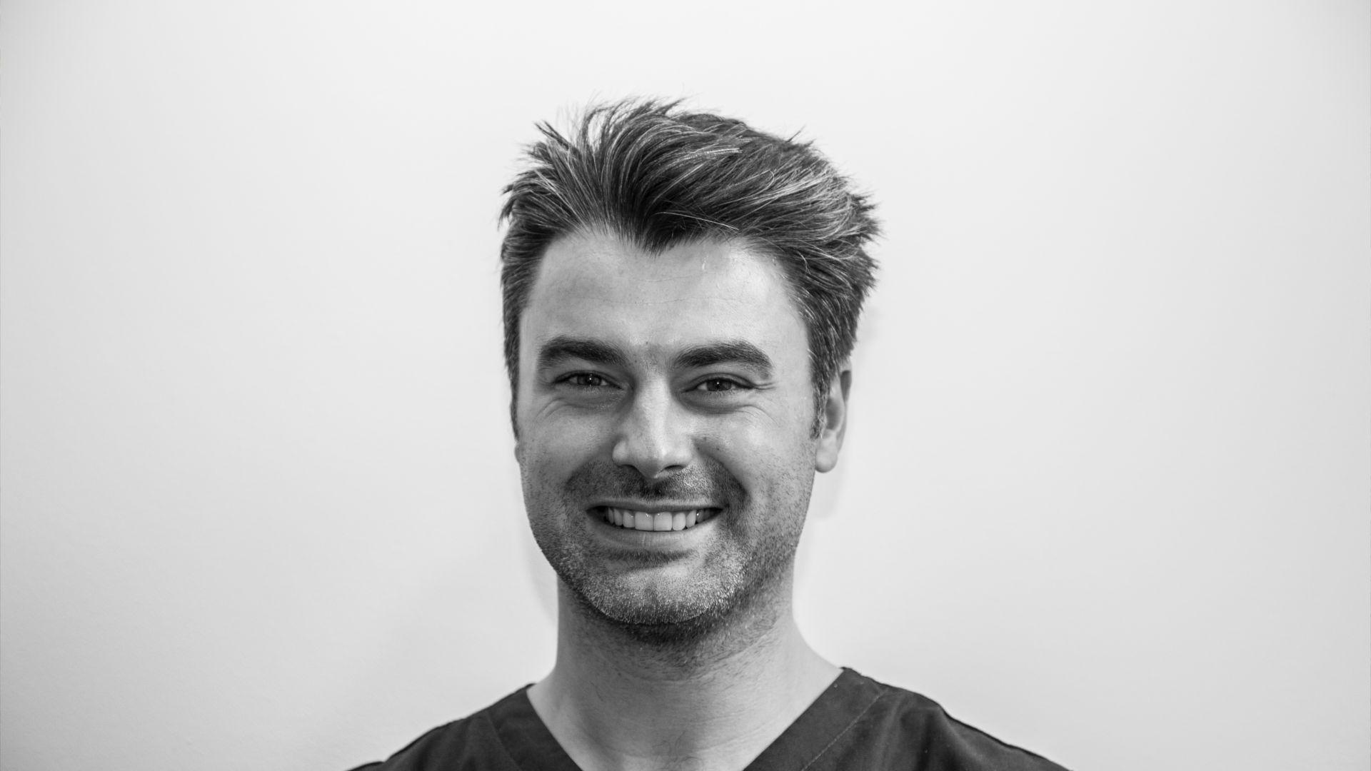 Docteur Matthieu Laguillier - Chirurgien dentiste sur Toulouse